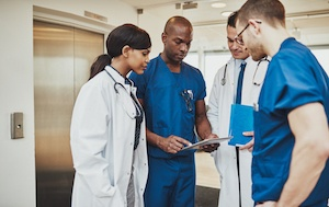 4 Ways Surgeons Can Build Trust with Their Staff