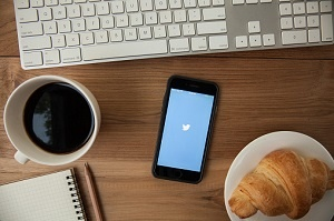 4 Hemodialysis & Kidney Care Resources to Follow on Twitter